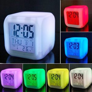 ·Despertador reloj led cambio de color
